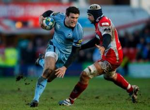 Cardiff centre Jamie Roberts powers forward during his Man of the Match performance, Gloucester v Cardiff Blues, Heineken Cup, Kingsholm, Gloucester, England, January 18 2009