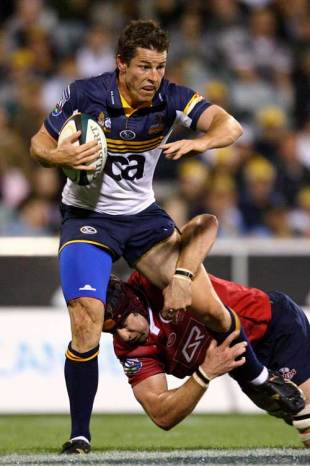 The Brumbies' Peter Playford is tackled by the Reds' defence, ACT Brumbies v Queensland Reds, Super 14, Canberra Stadium, Canberra, Australia, March 1, 2008