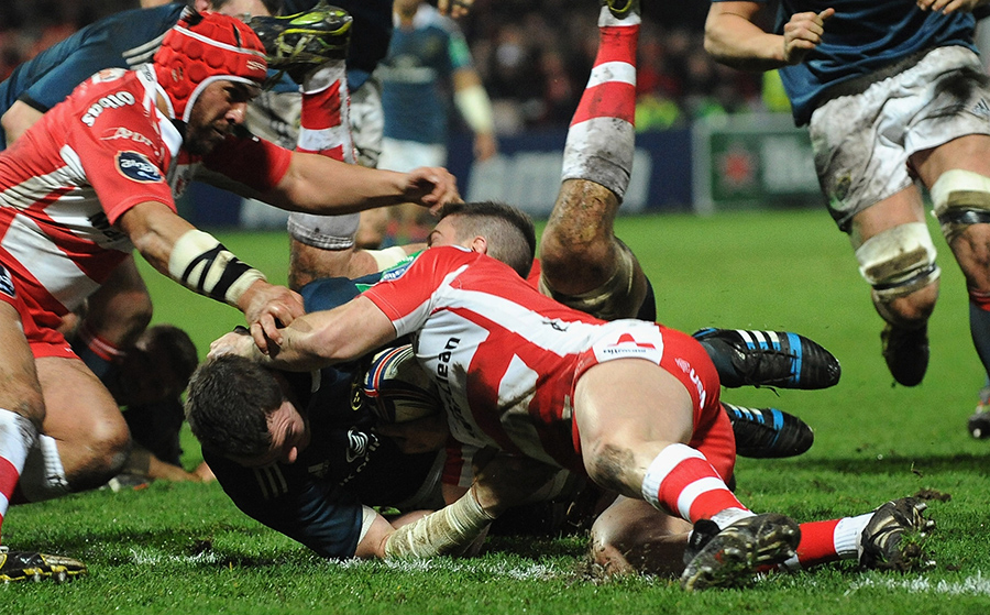 Peter O'Mahoney barges over from close range to score for Munster at Kingsholm