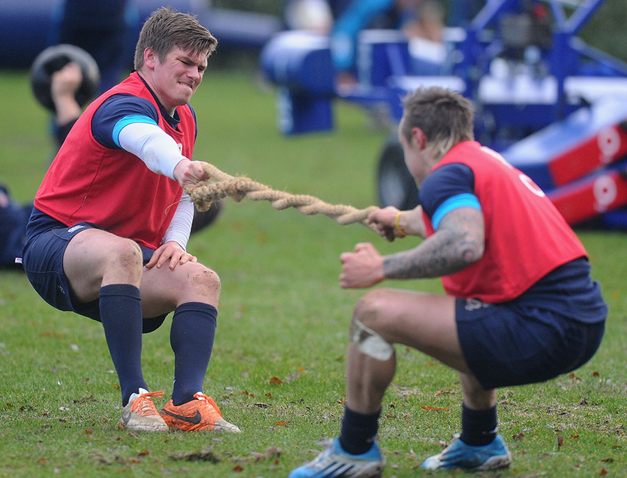 England duo Owen Farrell and Jack Nowell engage in a tug of war