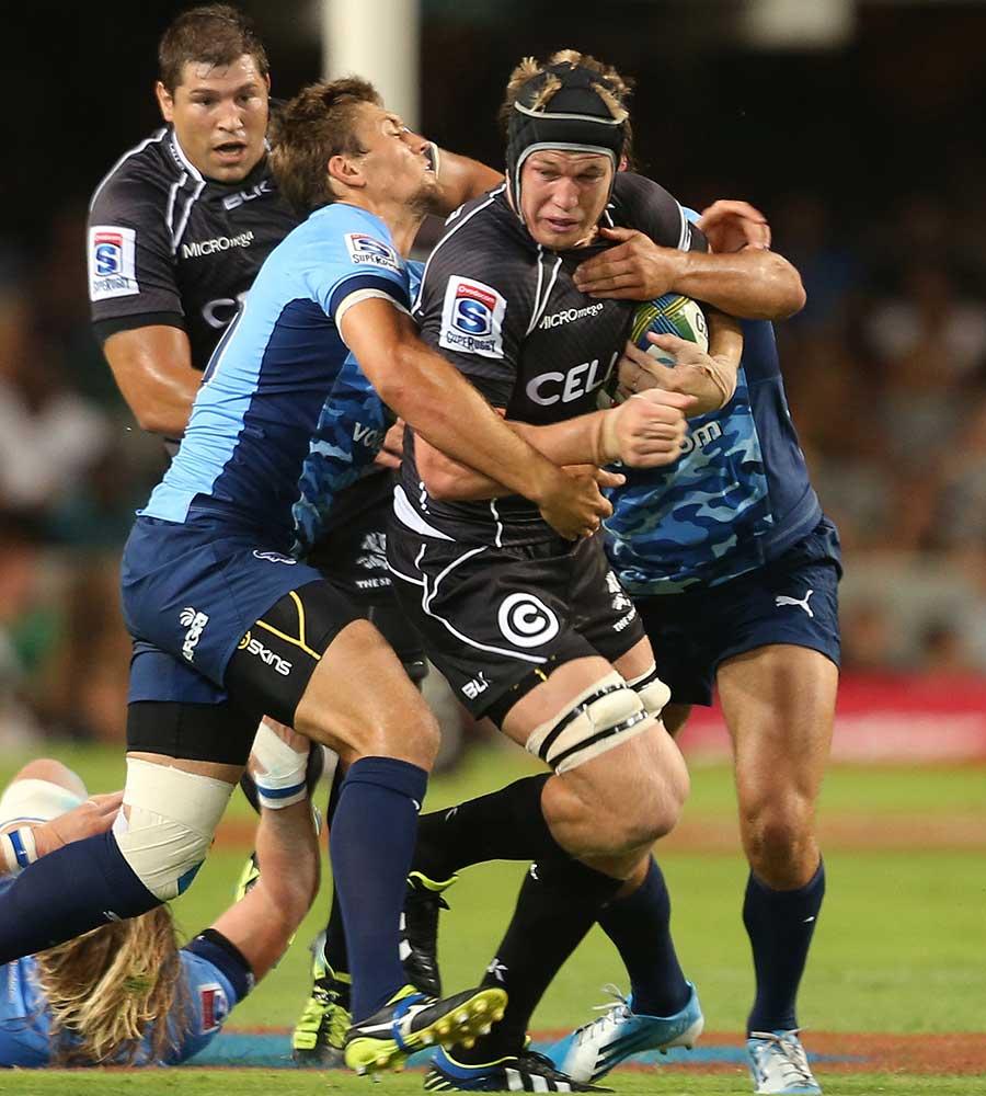 Sharks lock Pieter-Steph du Toit goes on the attack