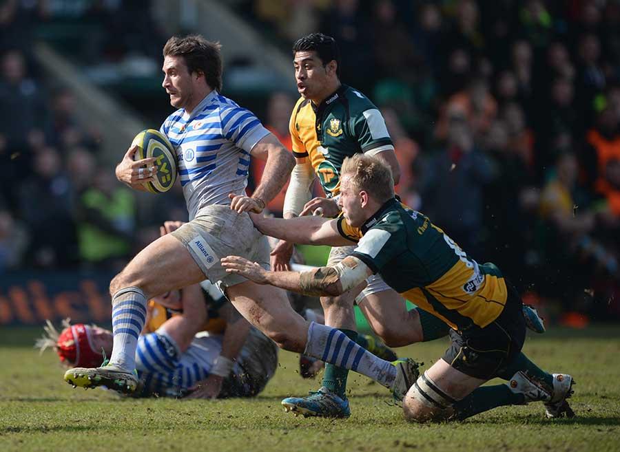 Marcelo Bosch breaks the Northampton Saints' line
