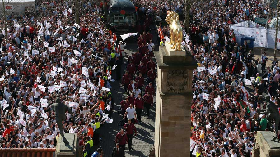England arrive at Twickenham for the much-hyped car park entrance