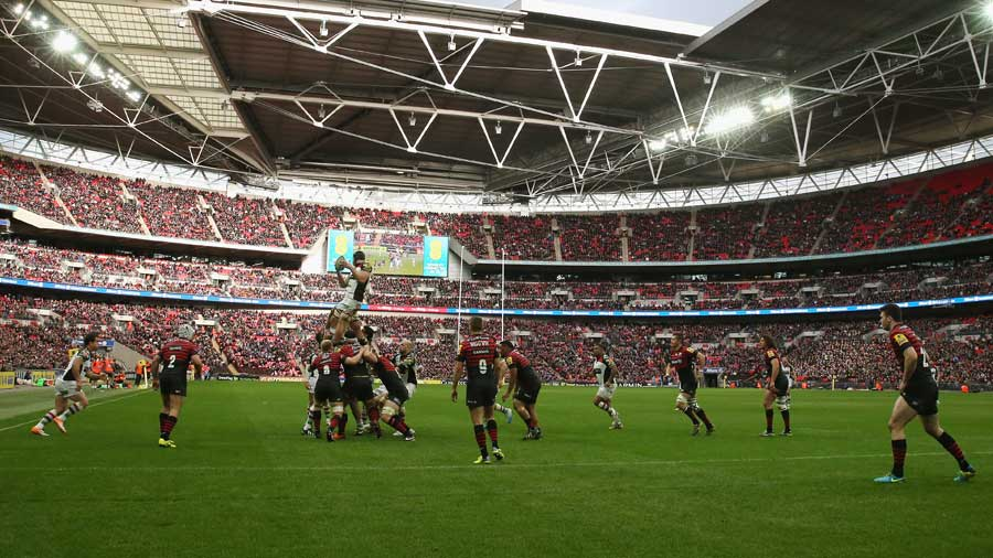 Saracens and Harlequins battle it out