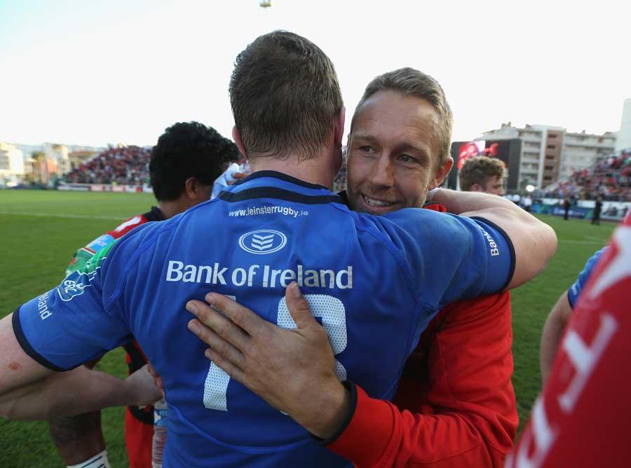 Leinster's Brian O'Driscoll hugs Jonny Wilkinson