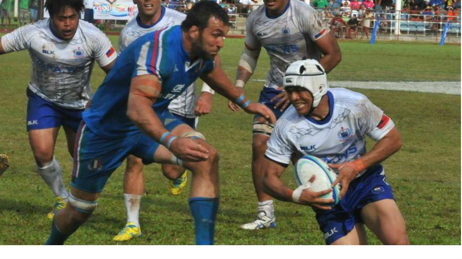 Samoa on the attack during their 15-0 win, Samoa v Italy, Apia, June 14, 2014