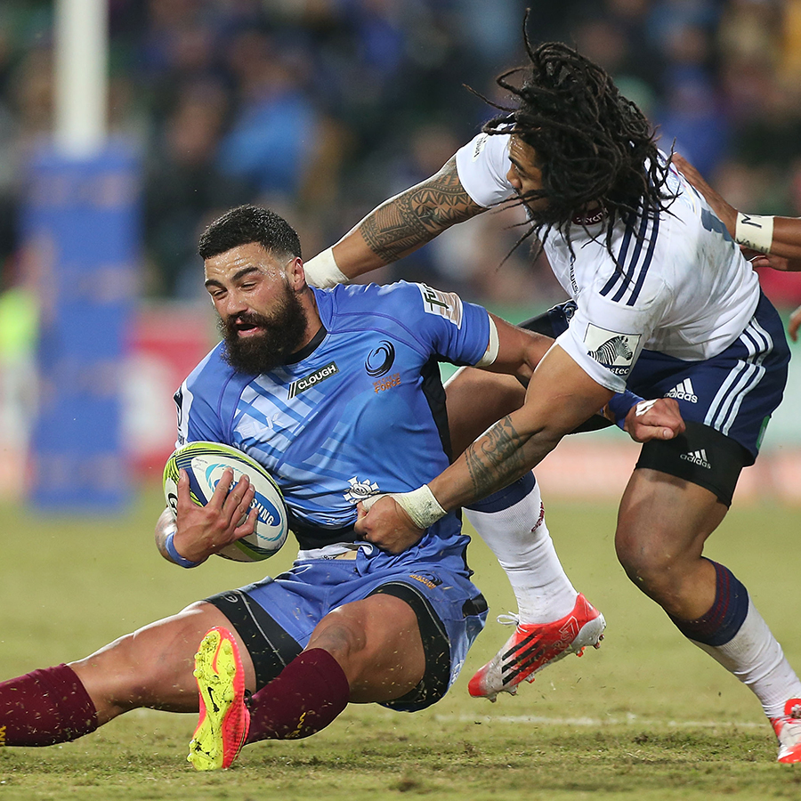Chris Tuatara-Morrison is tackled by Ma'a Nonu