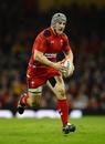 Jonathan Davies charges upfield