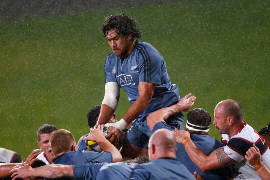 New Zealand's Steven Luatua claims a lineout