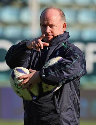 Ireland coach Declan Kidney offers some instruction to his side, Italy v Ireland, Six Nations Champiomship, Stadio Flaminio, Rome, Italy, February 15, 2009