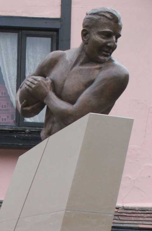 A statue of England winger Alexander Obolensky