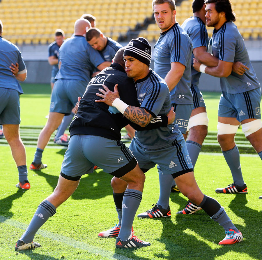Azerbaijan Rugby: Aaron Cruden And Aaron Smith Warm Up During A New Zealand