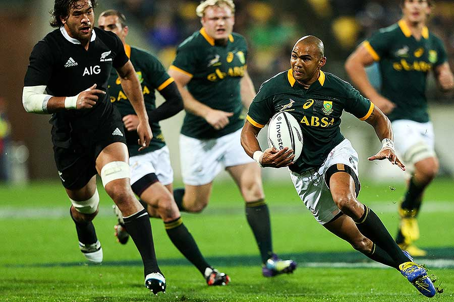 South Africa's Cornal Hendricks cuts back to score a try