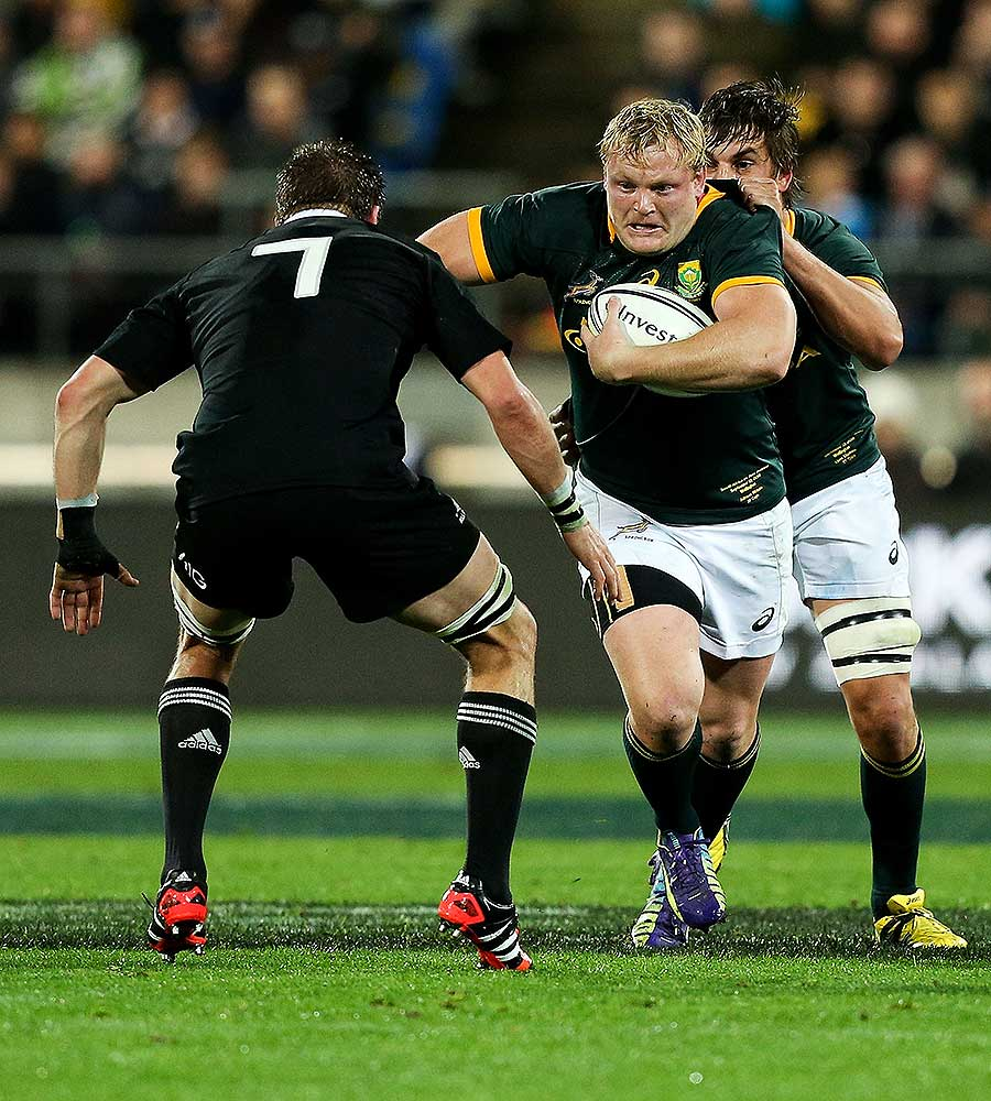 South Africa's Adriaan Strauss runs at Richie McCaw, New Zealand v South Africa, Rugby Championship, Westpac Stadium, Wellington, September 13, 2014