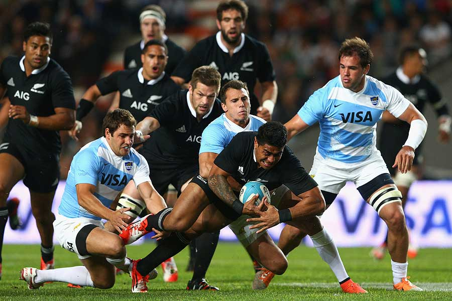 All Blacks inside-centre Malakai Fekitoa is tackled, Argentina v New Zealand, Rugby Championship, Estadio Ciudad de La Plata, September 27, 2014