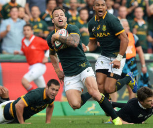 South Africa's Francois Hougaard sprints away for their first try, South Africa v New Zealand,  Rugby Championship, Ellis Park, Johannesburg, October 4, 2014