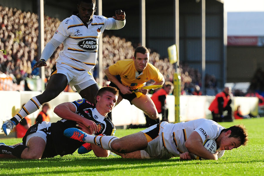 Rob Miller goes over for Wasps