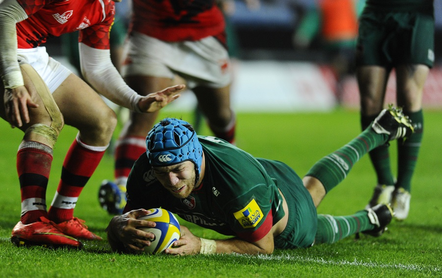 Graham Kitchener crosses for Leicester's third try