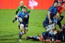 Rory Kockott fires a pass