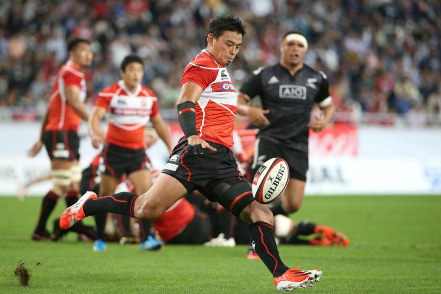 Japan's Ayumu Goromaru puts boot to ball