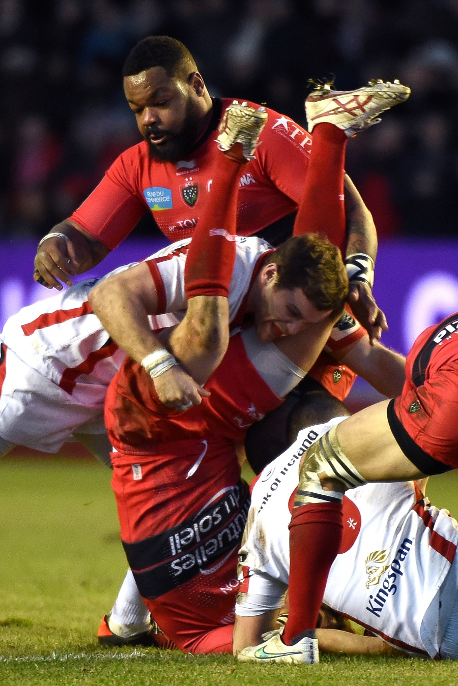 Ulster's Darren Cave finds himself in an uncomfortable spot