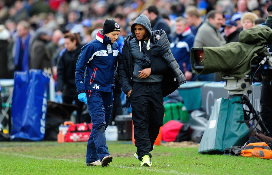 Bath's Kyle Eastmond was forced off with injury against Glasgow