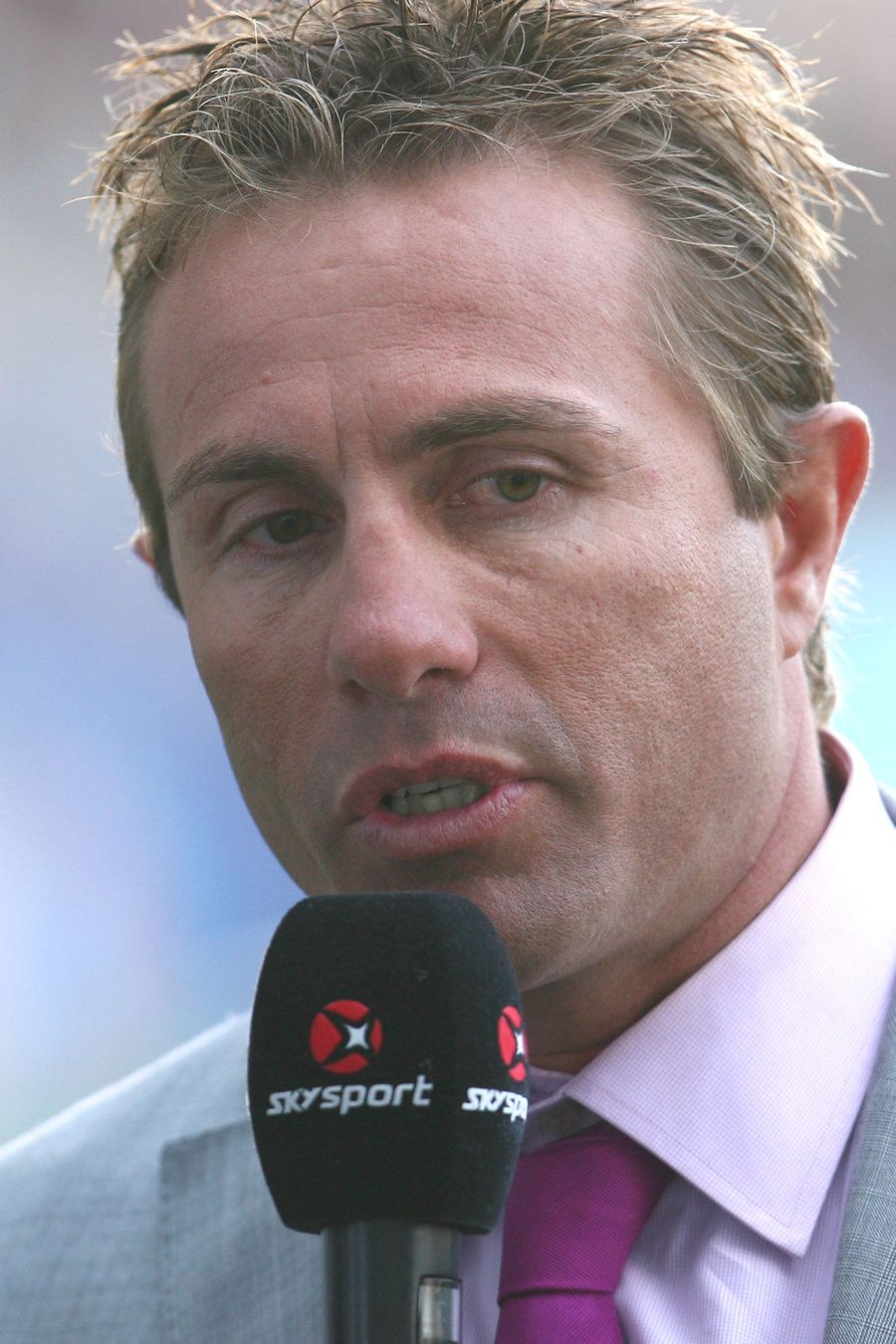 Sky commentator Justin Marshall talks during the round two Super Rugby match between the Highlanders and the Chiefs