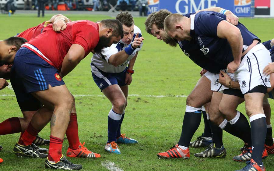 Nigel Owens tells the front-rows what he expects of them