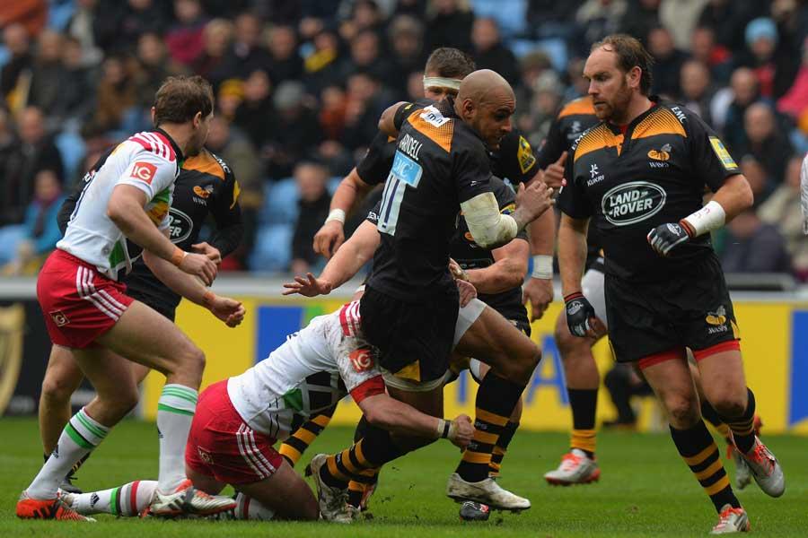 Wasps' Tom Varndell makes a break