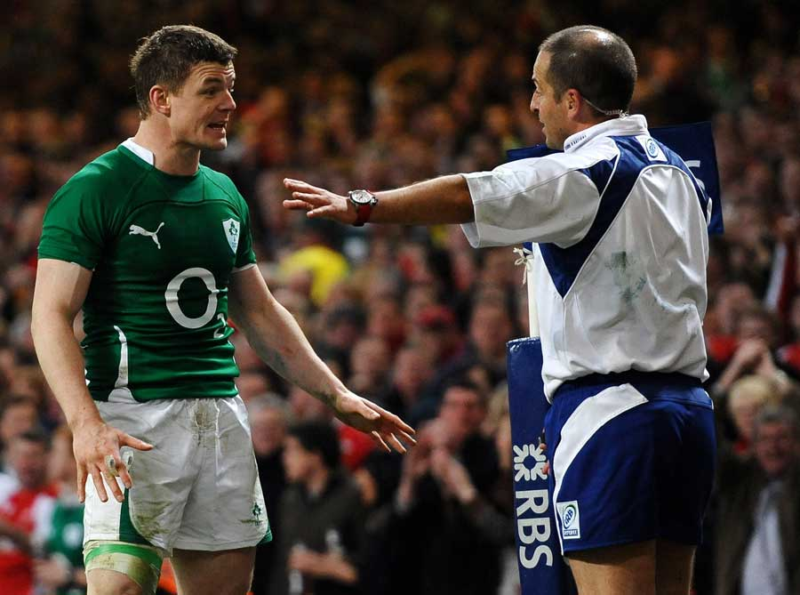 Ireland's Brian O'Driscoll talks with Jonathan Kaplan