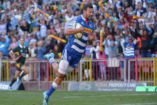 The Stormers' Dillyn Leyds flies over for a try, Stormers v Blues, Cape Town, February 21, 2015