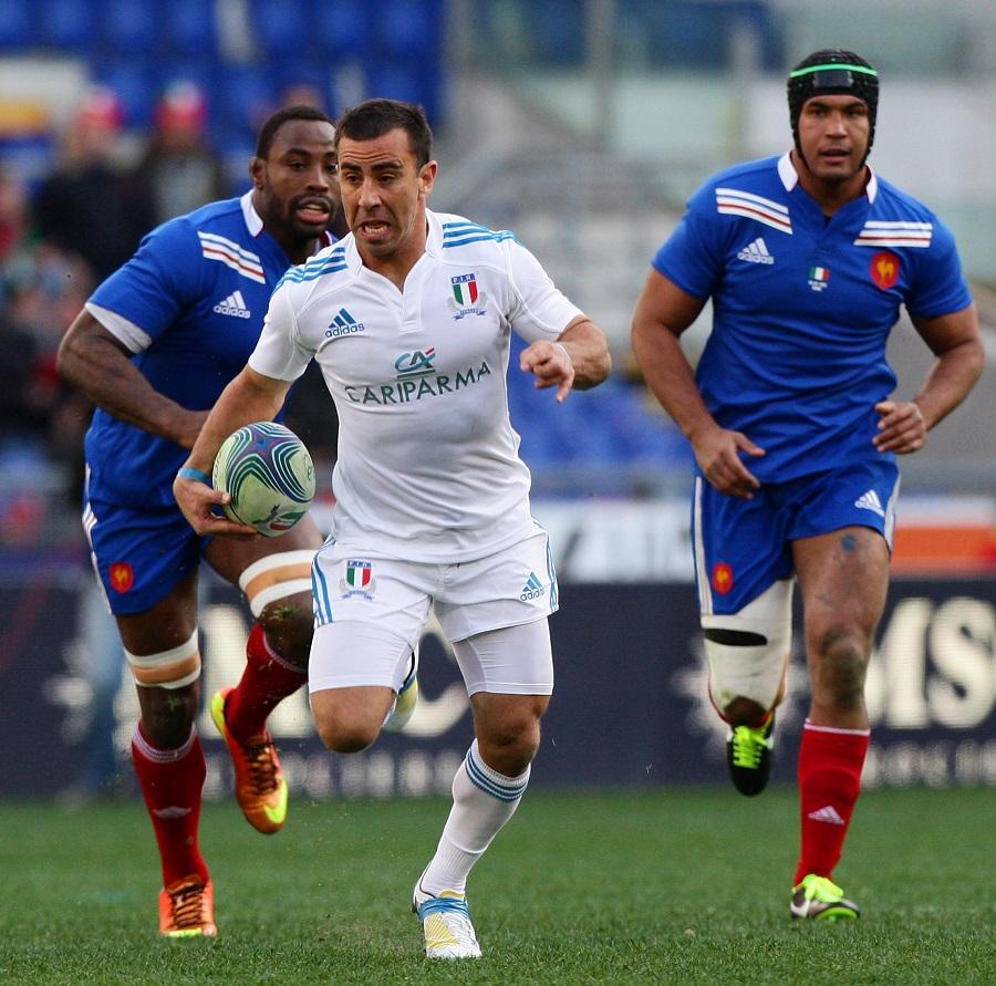 Luciano Orquera makes a run for Italy