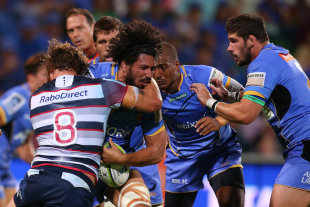 Western Force captain Sam Wykes takes on the Rebels' defence, Western Force v Melbourne Rebels, Super Rugby, nib Stadium, Perth, March 13, 2015