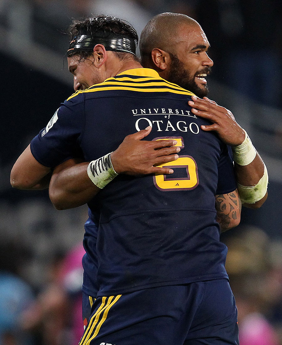 The Highlanders' Patrick Osborne gets a hug following a five-pointer, Highlanders v Waratahs, Dunedin, March 14, 2015