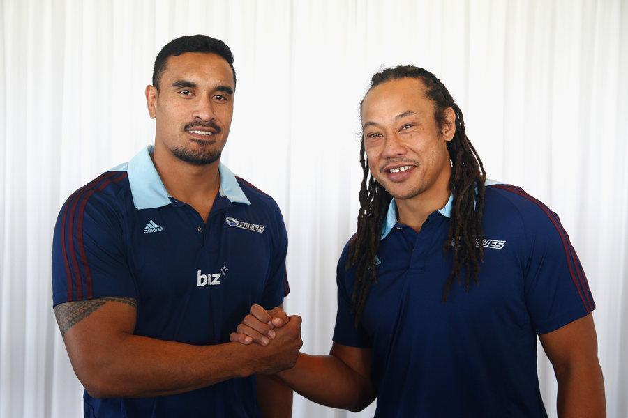 Blues captain Jerome Kaino (L) welcomes Tana Umaga (R) as the Blues Head Coach