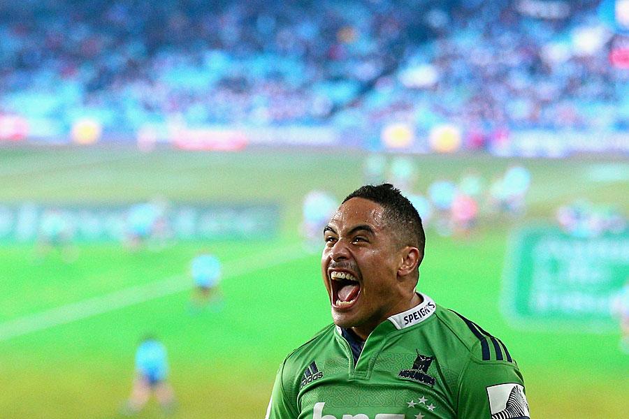 The Highlanders' Aaron Smith celebrates victory