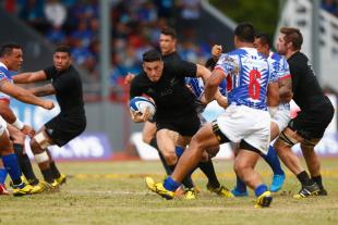 New Zealand's Sonny Bill Williams on the tear, Samoa v New Zealand, Apia Stadium, Samoa, July 8, 2015