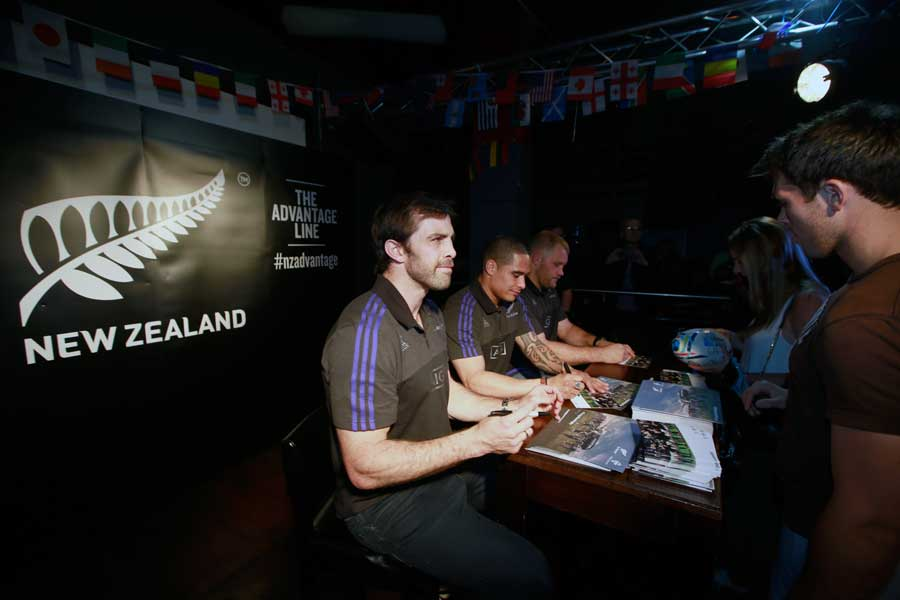 Conrad Smith and the All Blacks met fans at a signing session