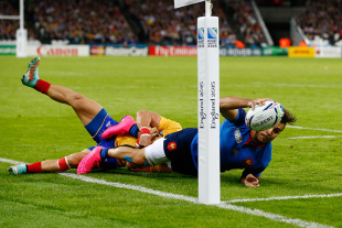 LONDON, ENGLAND - SEPTEMBER 23:  Sofiane Guitoune of France scores his teams opening try during the 2015 Rugby World Cup Pool D match between France and Romania at the Olympic Stadium on September 23, 2015 in London, United Kingdom.  (Photo by Chris Lee - World Rugby/World Rugby via Getty Images)