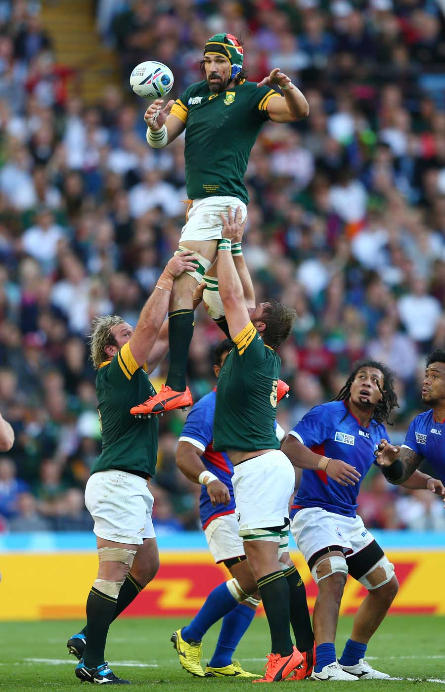 South Africa's Victor Matfield wins a lineout