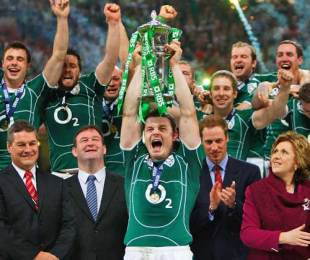 Ireland skipper Brian O'Driscoll lifts the Six Nations Championship trophy, Wales v Ireland, Six Nations Championship, Millennium Stadium, Cardiff, Wales, March 21, 2009