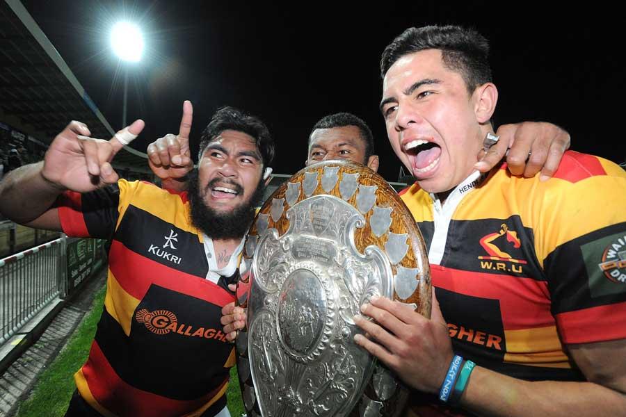 Waikato players celebrate winning the Ranfurly Shield