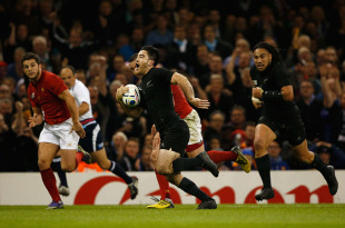 CARDIFF, WALES - OCTOBER 17: Nehe Milner-Skudder of the New Zealand All Blacks breaks through the French defence to score his side's second try during the 2015 Rugby World Cup Quarter Final match between New Zealand and France at the Millennium Stadium on October 17, 2015 in Cardiff, United Kingdom. (Photo by Stu Forster/Getty Images)