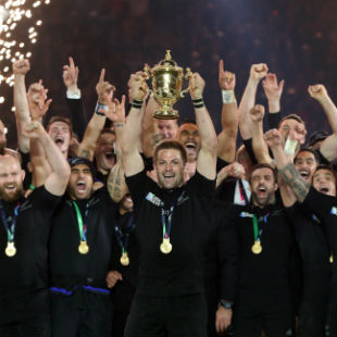 Richie McCaw, captain of New Zealand lifts the Webb Ellis Cup after victory in the 2015 Rugby World Cup Final match between New Zealand and Australia at Twickenham Stadium on October 31, 2015 in London, United Kingdom. (Photo by David Rogers/Getty Images)