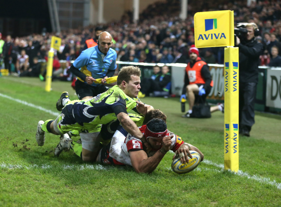 Sione Kalamafoni dives over for a try