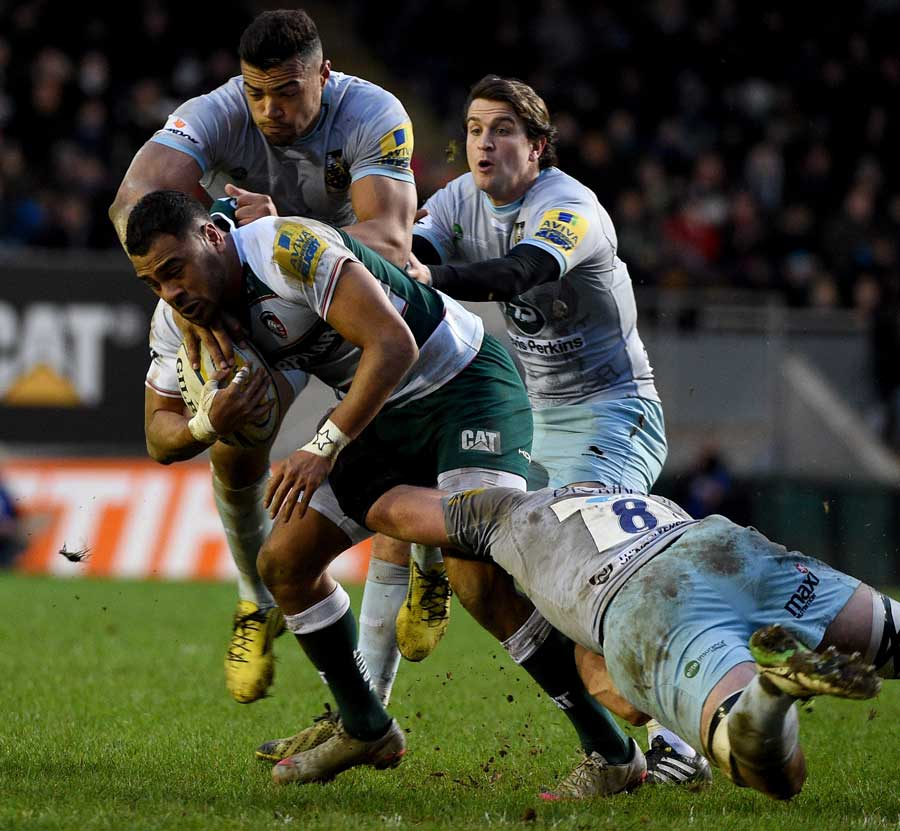 Telusa Veainu of Leicester Tigers is tackled