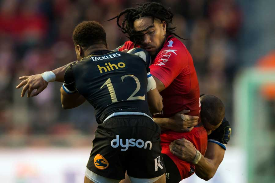 Toulon's Ma'a Nonu takes the ball into contact with Bath's Kyle Eastmond