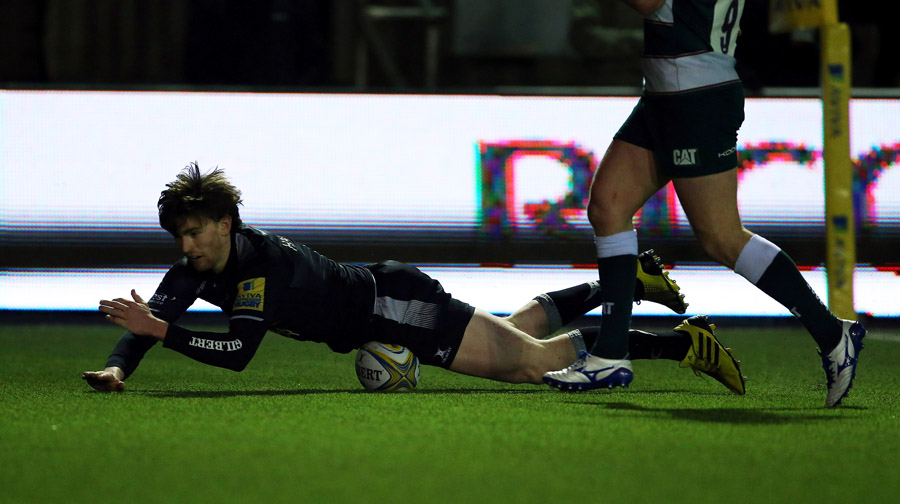Simon Hammersley scored Newcastle's first try against Leicester.