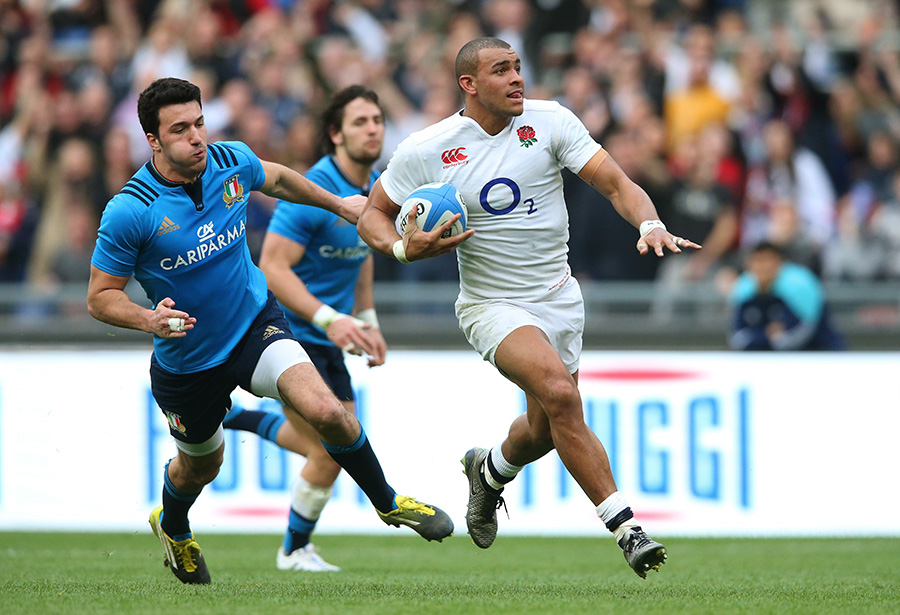 Jonathan Joseph of England runs in his team's second try
