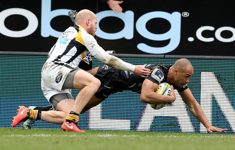 Olly Woodburn touches down for Exeter's first try against Wasps.